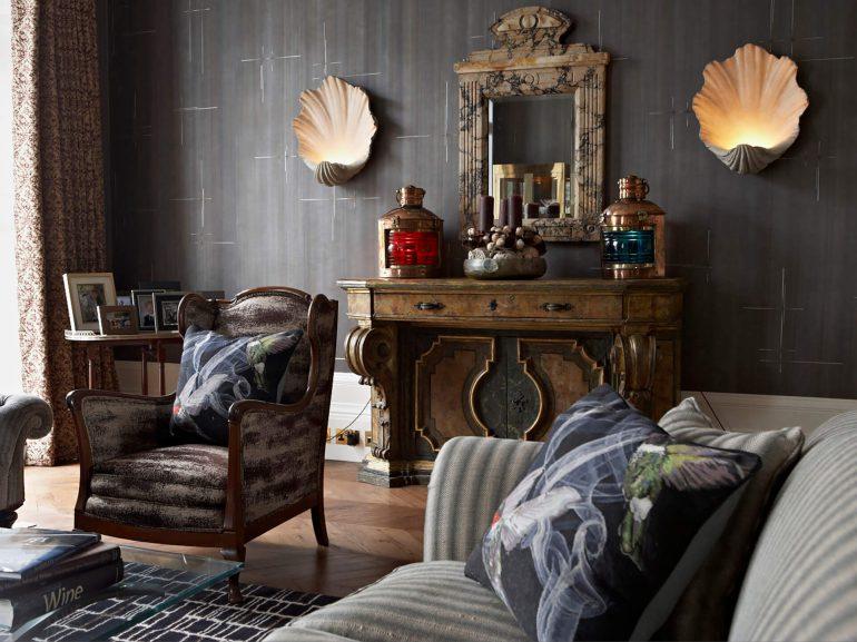 Ladbroke-Grove- W11-Living-room- mantelpiece-interior-design