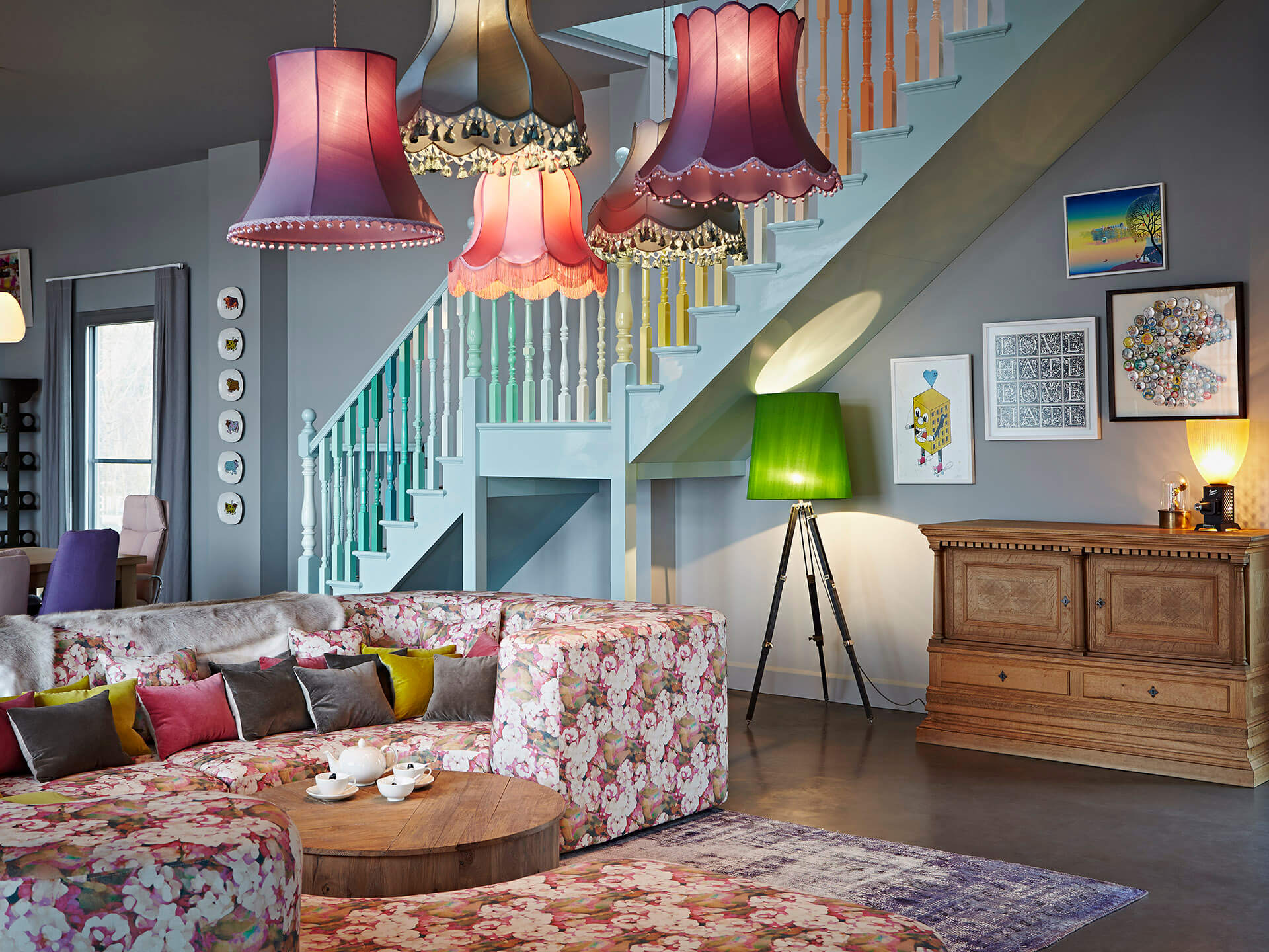 The-Lakes-Living room-staircase-lampshades