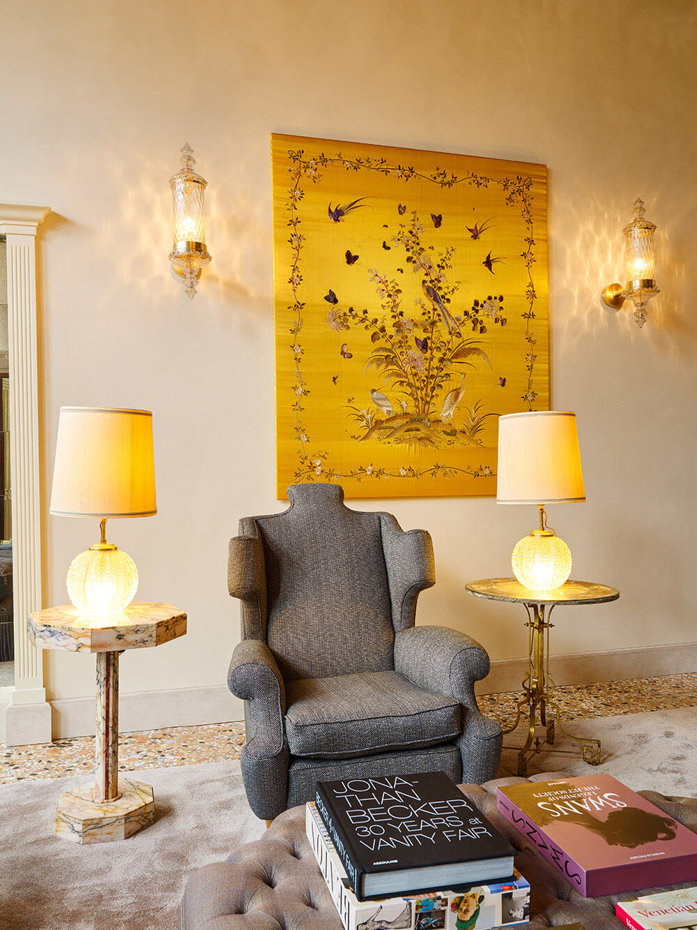 Venice-Living-room-lamps-armchair