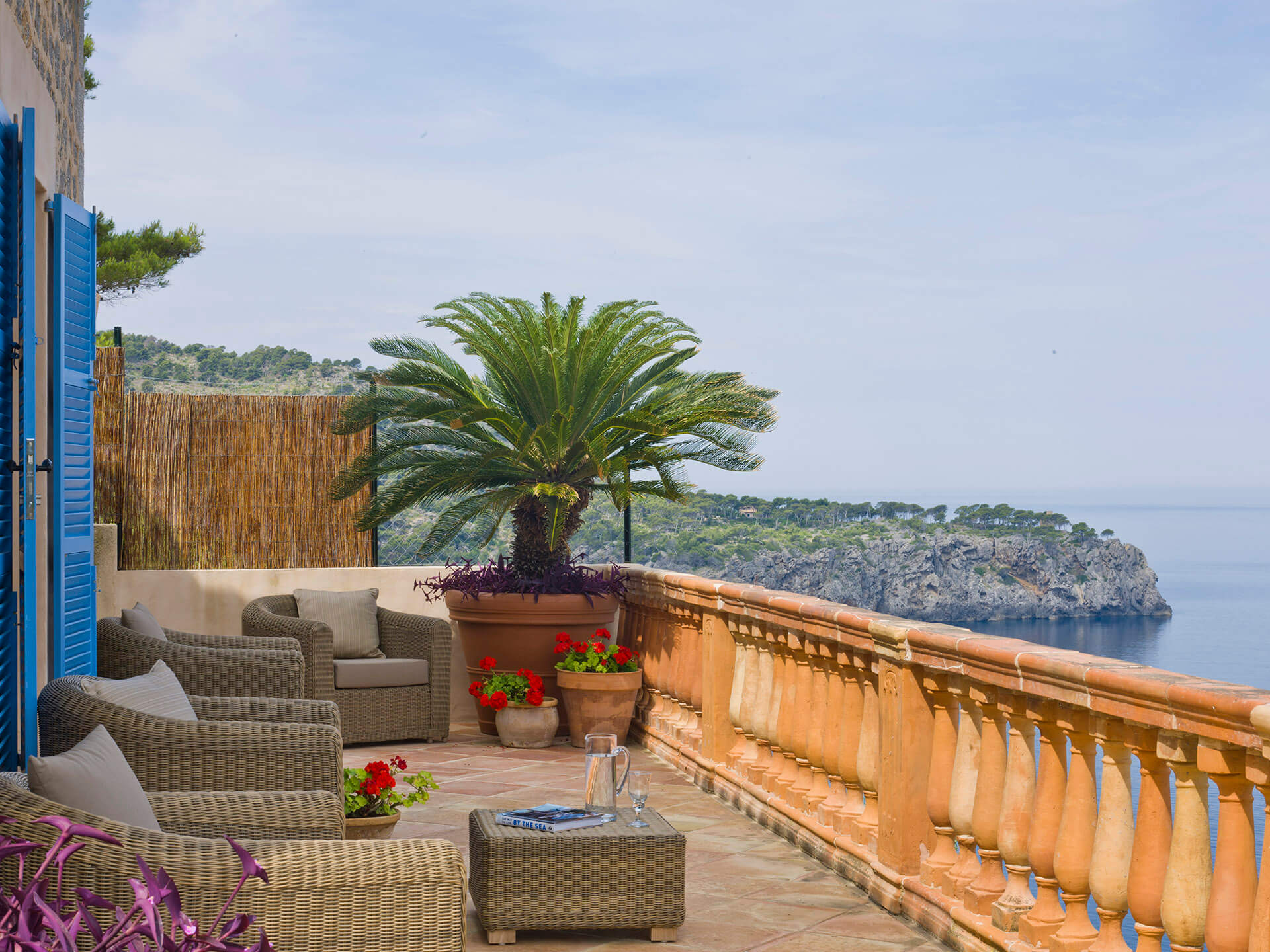 Mallorca-Balcony-horizon-interior-design